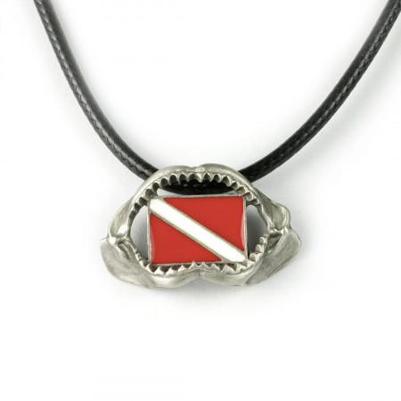 dent-de-requin-collier-made-in-canada
