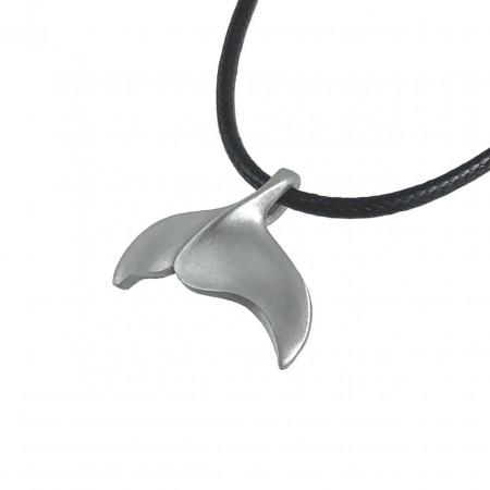 baleine-collier-made-in-canada