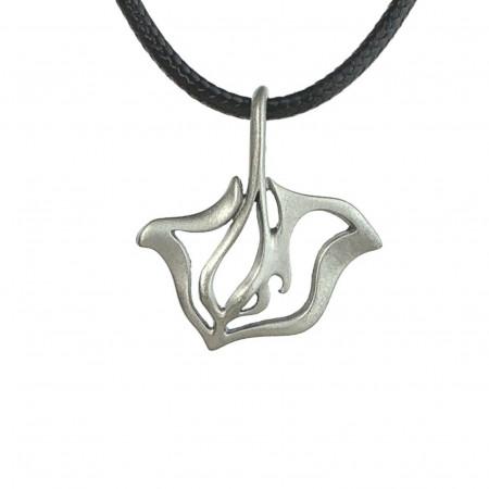 collier-raie-de-mer-étain-made-in-canada