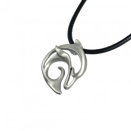 pendant-dolphin-made-in-canada