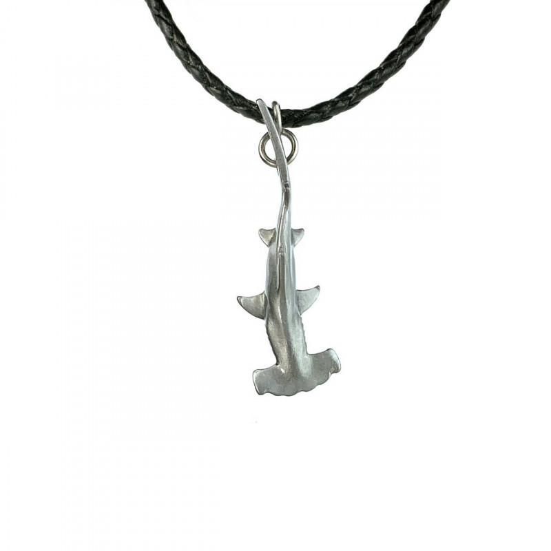 requin-marteau-collier-made-in-canada